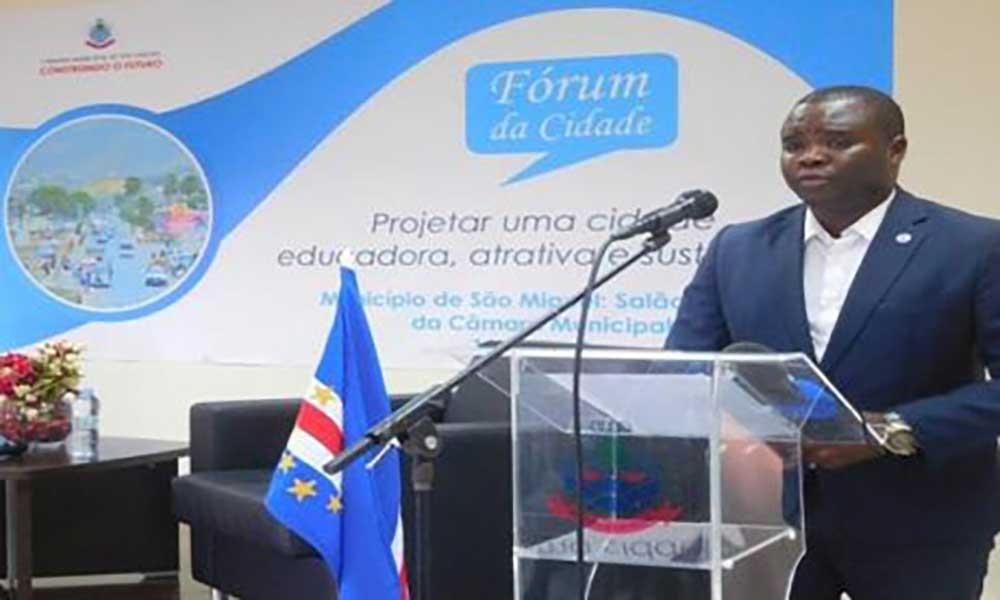 """São Miguel: Edil focado na preparação da Calheta """"para a próxima década"""""""