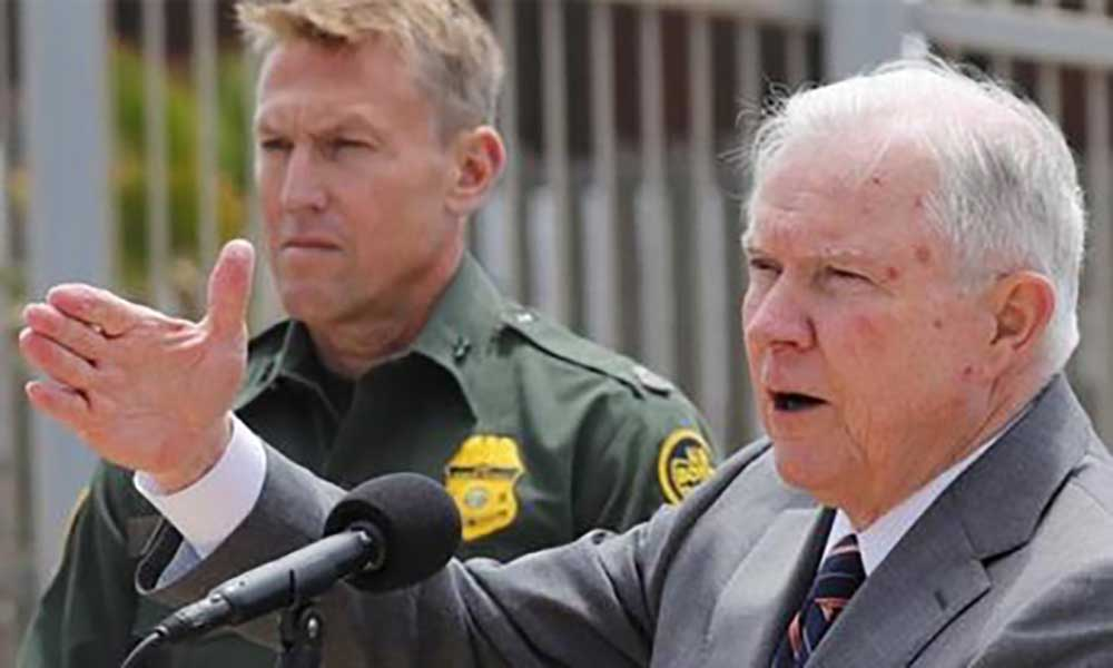 """EUA: Procurador-Geral com """"tolerância zero"""" para imigrantes ilegais"""