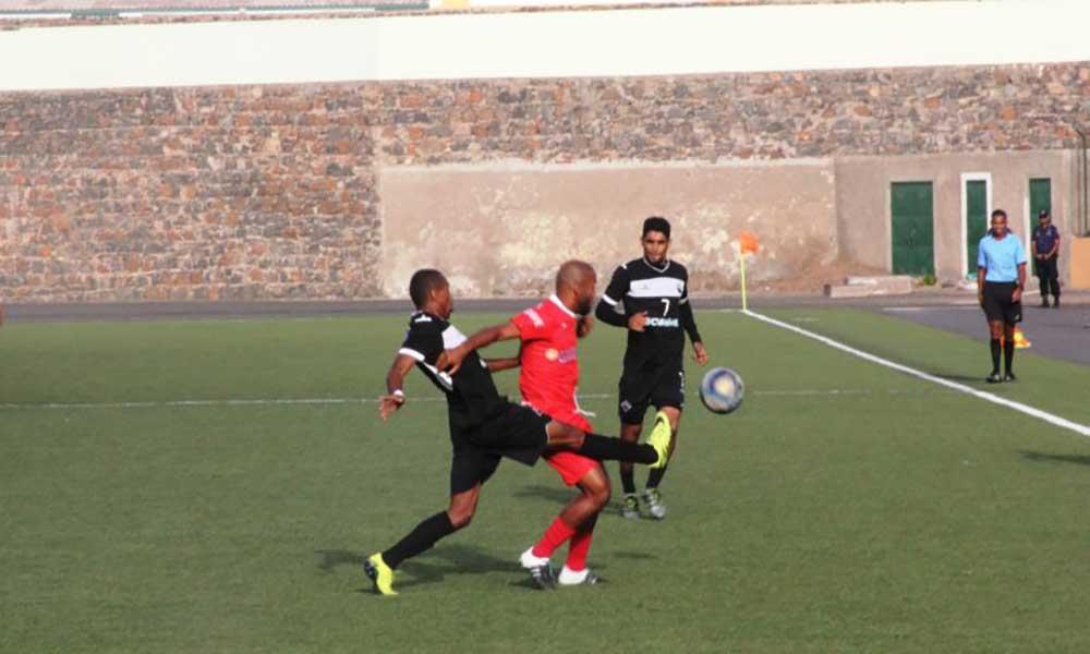 Nacional de futebol: Seis equipas lutam por duas vagas às meias-finais