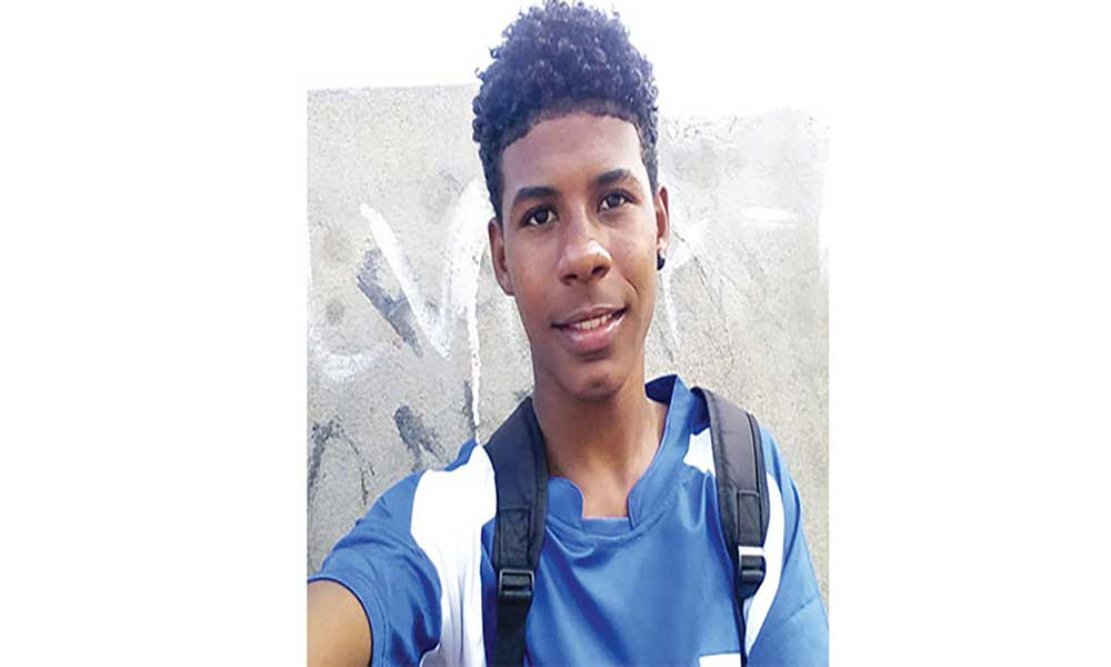 Marvin Tienne quer chegar ao Basket profissional