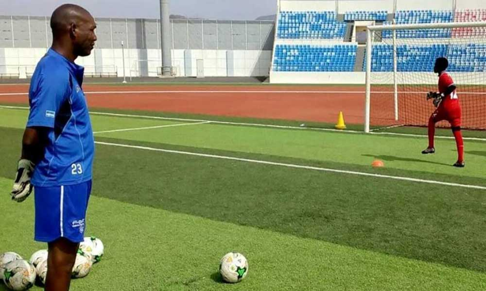 Veterano guarda-redes Tchabana reforça equipa técnica da selecção nacional de futebol sub-17