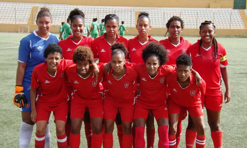 Futebol: Mindelense e Llana estão na final do Campeonato Nacional feminino