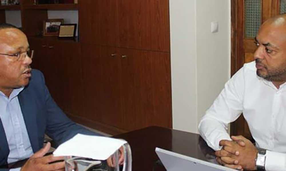 Paulo Veiga reúne-se com autarca de Santa Cruz com foco no desenvolvimento socioeconómico do município