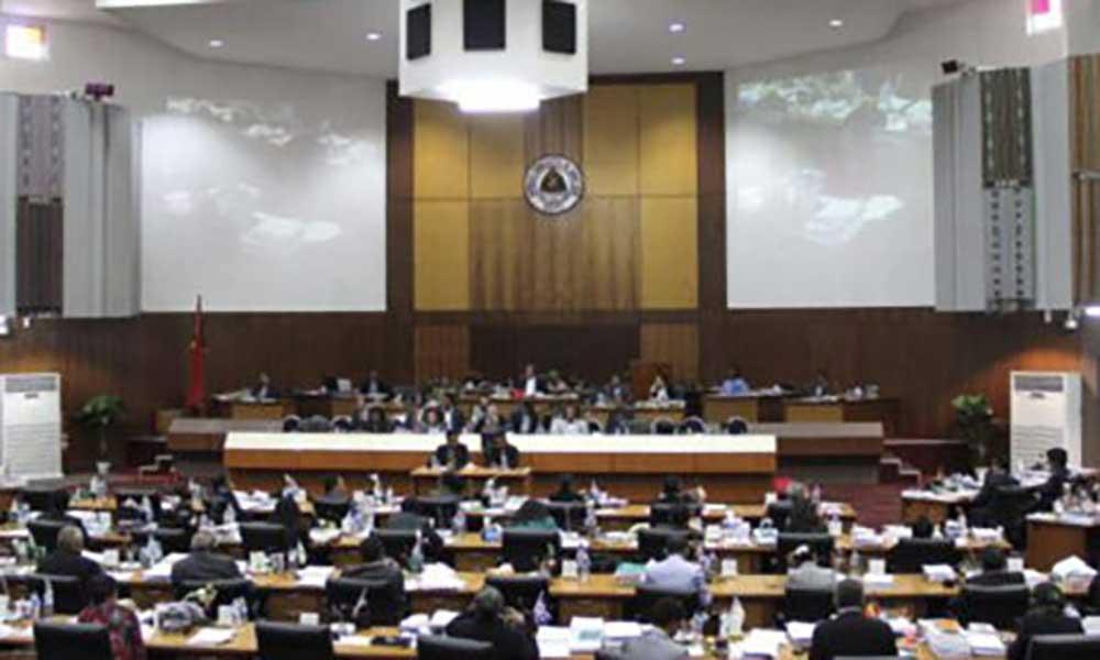 Timor-Leste: Parlamento revoga decreto sobre currículos escolares