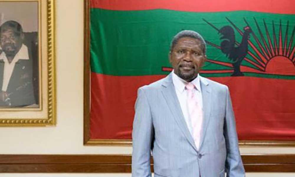 """Angola: UNITA lamenta que restos mortais de Savimbi """"continuem presos"""""""