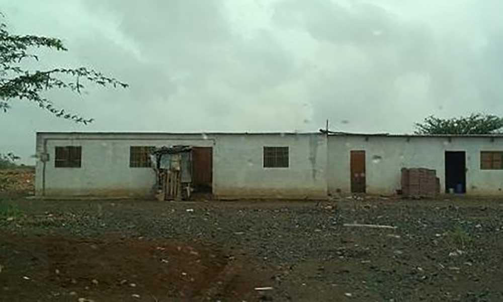 Maio: Autarquia destrói duas moradias clandestinas
