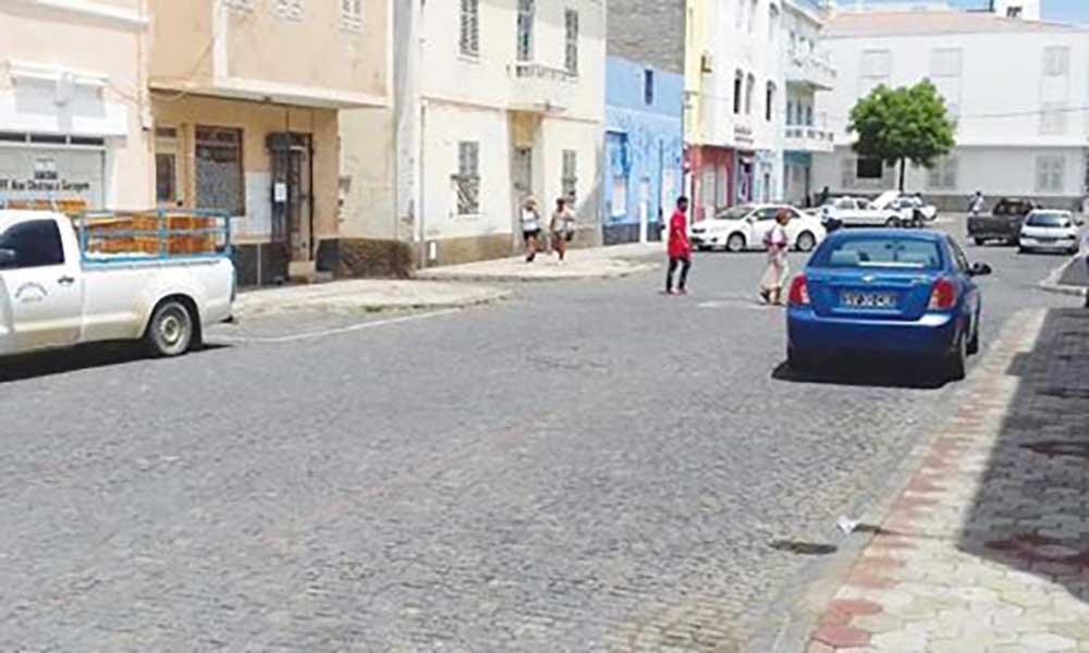 São Vicente: Proprietários na Rua da Moeda sem rede pública de água
