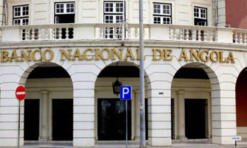 Angola vai introduzir pagamentos por telemóvel em 2019