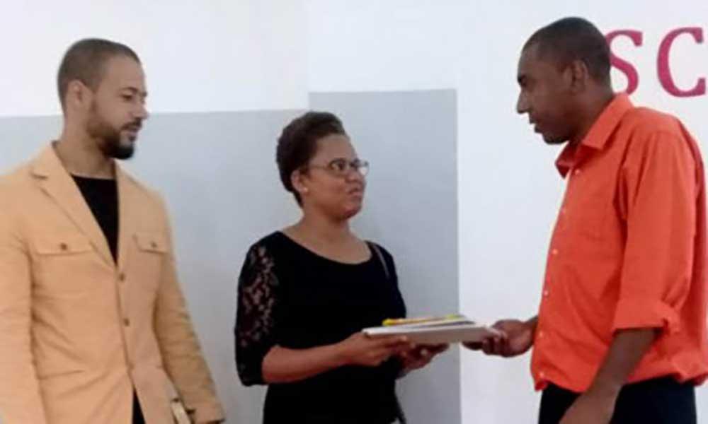 Brava: Nazarenos doam materiais escolares às crianças da ilha