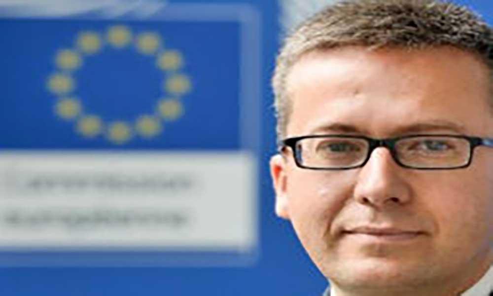 Comissário da União Europeia para a Investigação, Ciência e Inovação visita Cabo Verde