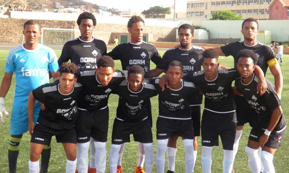 Futebol/São Vicente: Académica vence Corinthians e mantém liderança partilhada com Mindelense