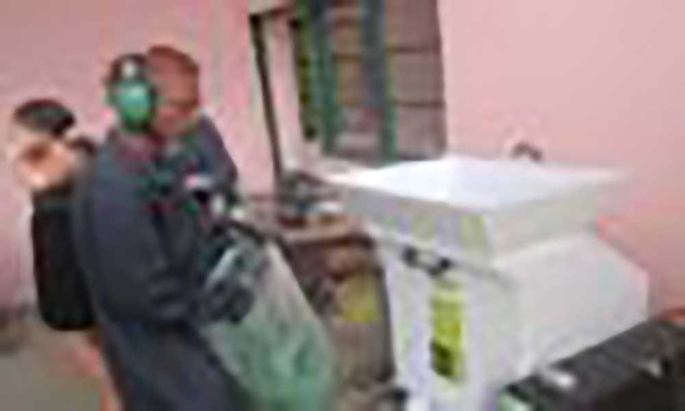 """Santo Antão: Fábrica de azulejos está a retirar """"diariamente grandes quantidades"""" de plástico do ambiente"""