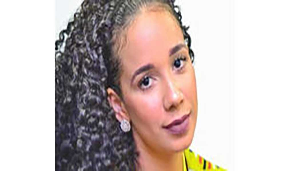 "Jovem empreendedora lança ""Shanna"" na feira"