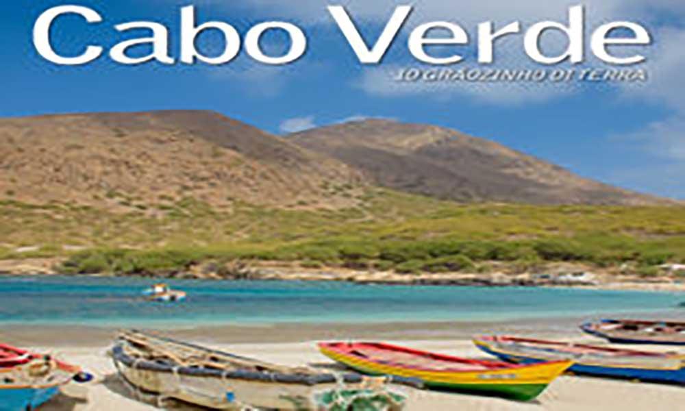Cabo Verde - 10 Grãozinho Di Terra em três línguas lançado na Praia
