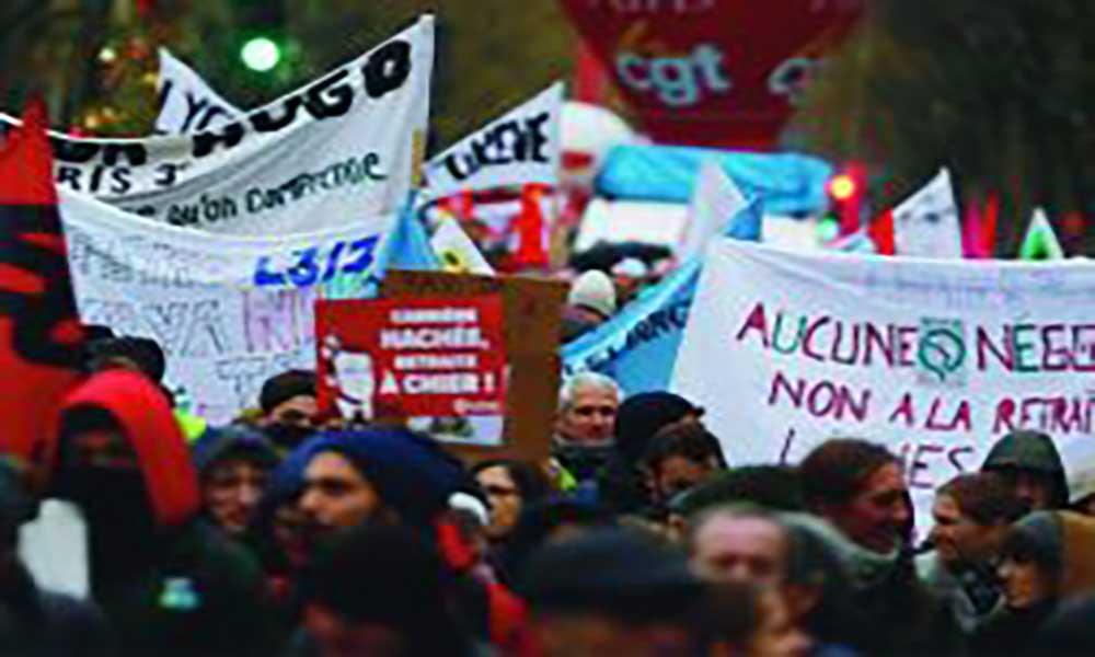 Greve na França: Mobilização continua e Governo recebe sindicatos